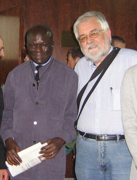 Doudou Diène i Albert Riba desprès de la seva concersa privada